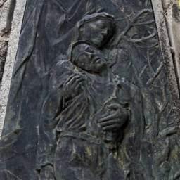 Felice Lovisco, Monumento ai caduti, Sasso di Castalda