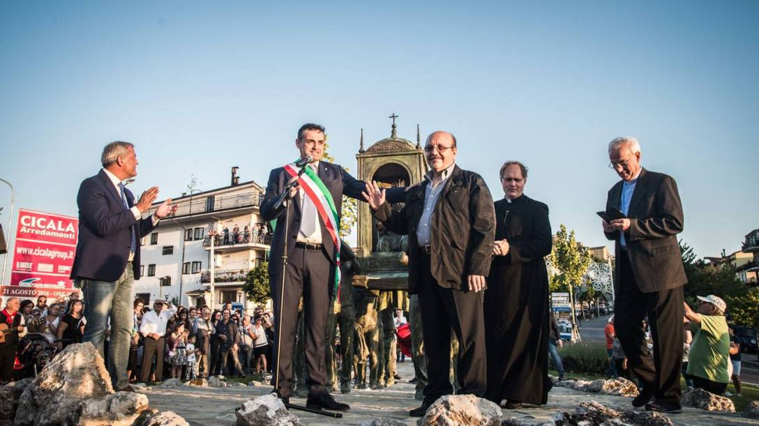 Inaugurazione-monumento_portatori_Viggiano_5